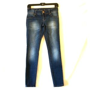 *NEW* American Rag Skinny Jeans 👖 Size: 3 R